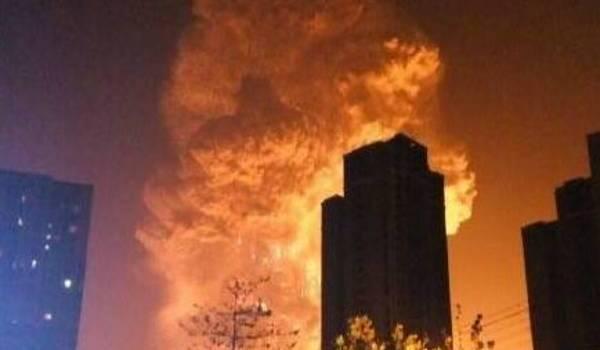 L'incendie ravage des immeubles