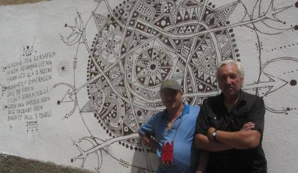 Hacène Metref et Denis Martinez (artiste) à Iguersafène.