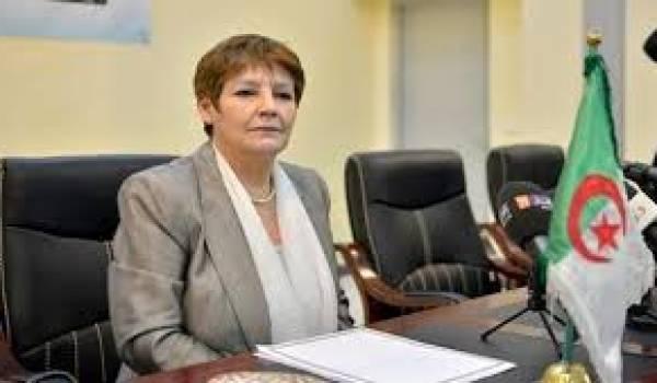 La ministre de l'Education face aux enseignants et à la rentrée qui s'annonce