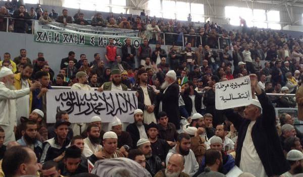 Les forces islamo-conservatrices combattent tout débat sur un système éducatif moderne.
