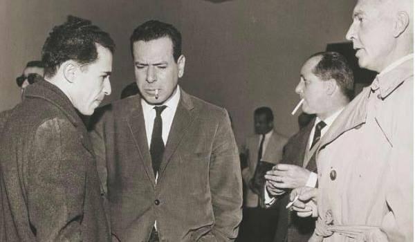 Jean Amrouche avec Mohamed Benyahia, SG du GPRA, le journaliste Jean Daniel et l'écrivain Jules Roy, à Tunis en 1961.
