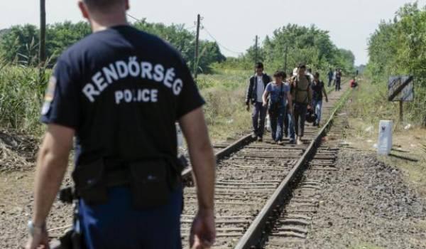 Des centaines de migrants sont bloqués aux frontières entre la Hongrie et la Serbie.