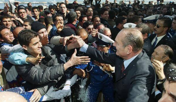 La venue de Chirac a permis  aux rues d'Alger de retrouver un lustre aujourd'hui terni.