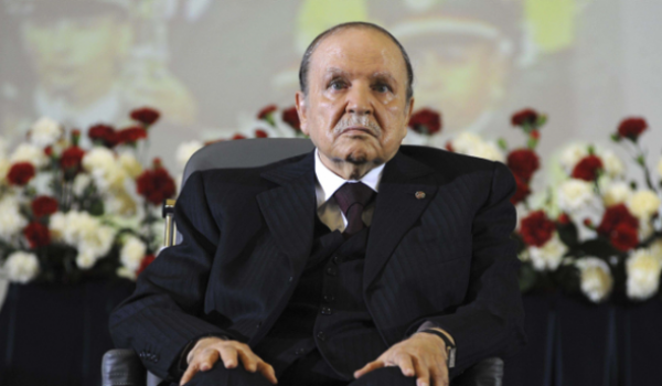 L'Algérie paralysée politiquement et économiquement par un clan présidentiel avide de pouvoir.