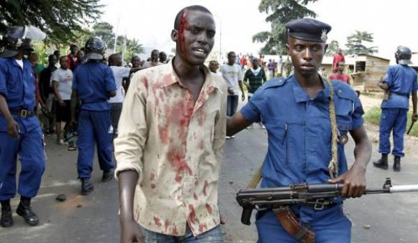 Au Burundi : répression et présidentielle fermée.