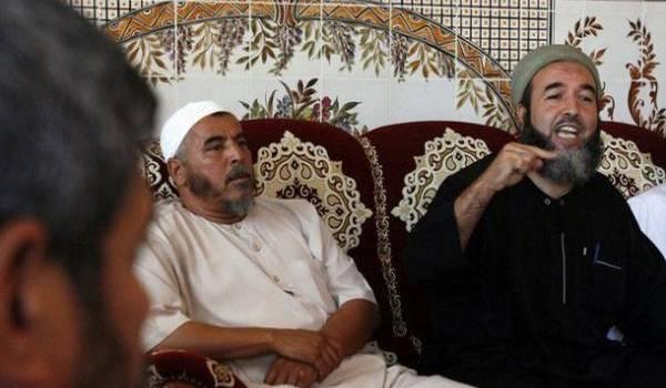 Madani Mezrag et ses acolytes est l'autre facette de cette impossible réconciliation entre bourreaux et victimes.
