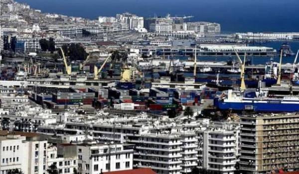 Les achats de l'Algérie sont passés de 10,7 milliards  de dollars en 2005 à 29,5 milliards de dollars en 2014.