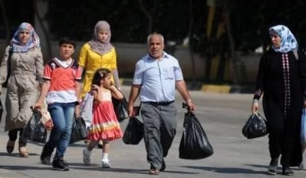 Des dizaines de milliers de réfugiés errent en Europe