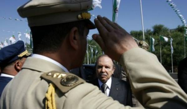 Bouteflika et son clan se sont employés à prendre le contrôle de tous les leviers de pouvoir.