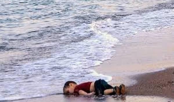 Une des photos d'Aylan Kurdi, enfant syrien mort noyé en tentant de rejoindre l'île de Kos avec sa famille.