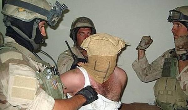 L'armée américaine a éliminé toute l'architecture étatique du parti Baas qui tenait le pouvoir.