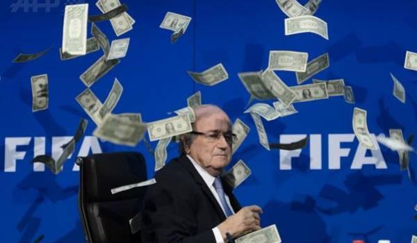 Blatter au cœur de scandales appelé à démissionner