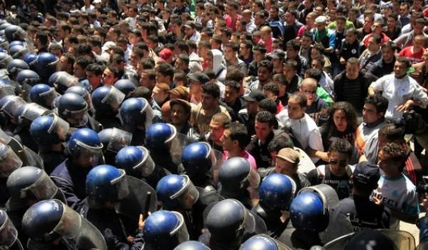 Le clan présidentiel est disposé à réprimer toute expression d'opposition à la candidature de Saïd Bouteflika. Photo archives.