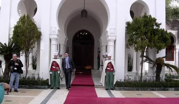 Pour une fois, la présidence explique aux Algériens les derniers changements au DRS.