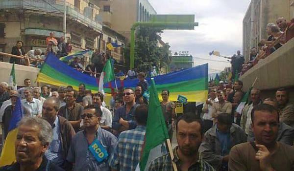 Des milliers de militants et sympathisants du RCD ont manifesté à Tizi Ouzou