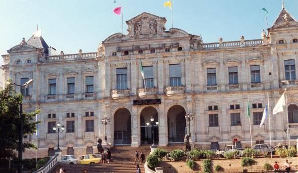 A Oran, l'achat de voix a commencé en perspective des prochaines élections
