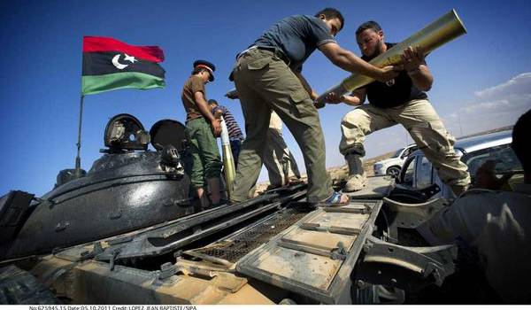 Les milices contrôlent toujours des pans entiers de la Libye.