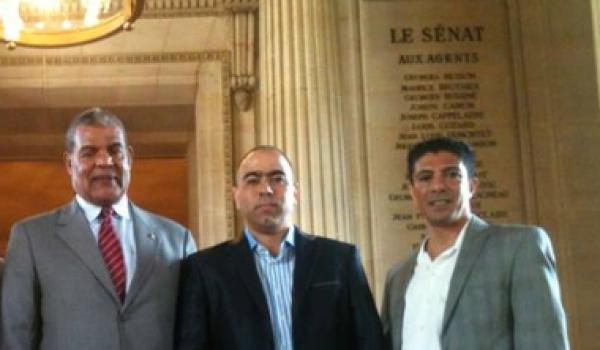 Abdel-Kebir Matalli, député d'Oran à gauche avec Abdel-Malik Djermoune et Otmane Douidi