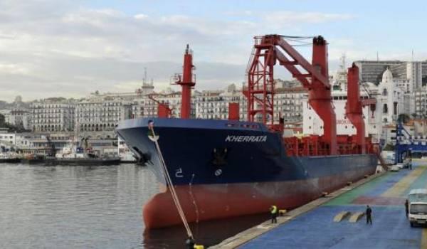 Le port d'Alger est saturé. L'urgence d'une nouvelle infrastructure portuaire se fait sentir.