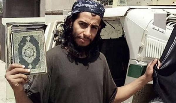 Abdelhamid Abaaoud, l'inspirateur présumé des attaques de Paris, est toujours recherché.
