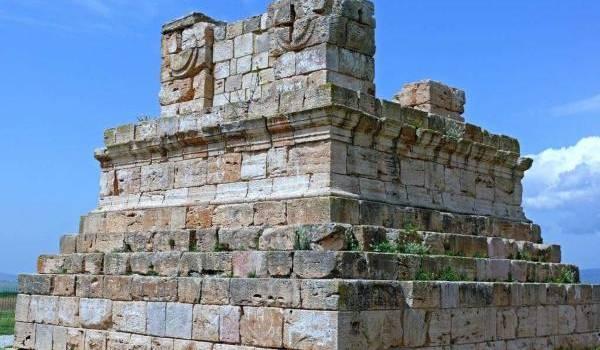 Le tombeau  de Massensen à Khroub.