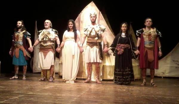 La pièce de théâtre de Hamida Aït Lhadj a ravi le public batnéen.