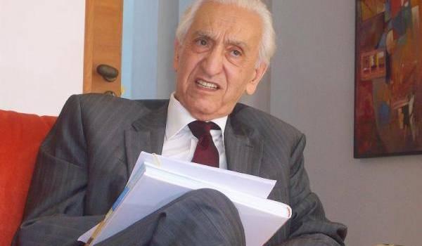 Hocine Aït Ahmed.
