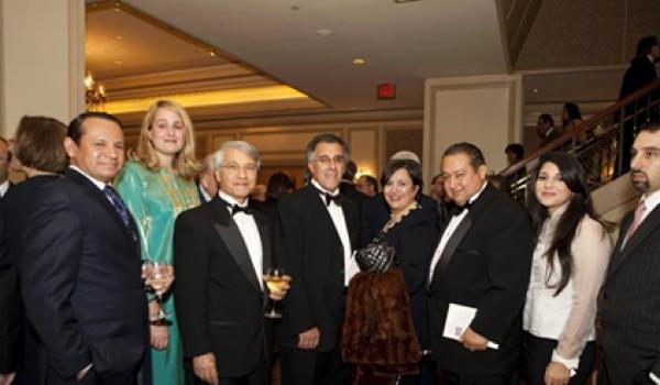 L'affaire Chakib Khelil (au milieu, invité par l'ambassade d'Algérie à Washington) est l'exemple même d'une corruption institutionnalisée.
