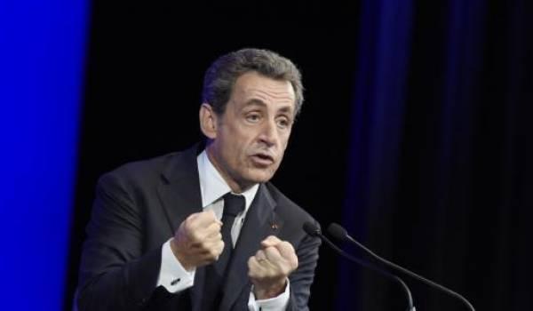La stratégie de Nicolas Sarkozy critiquée par ses partisans.