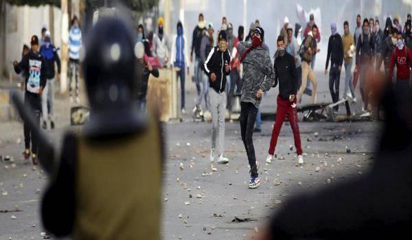 Un chômeur et un policier ont été tués pendant les manifestations.