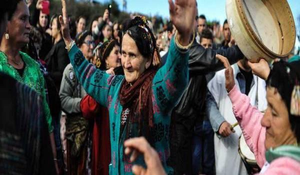 L'esprit de fête plusieurs fois millénaire d'un peuple opprimé.