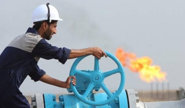 Le cours du pétrole continue sa dégringolade.