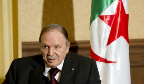 Abdelaziz Bouteflika n'a eu aucun respect pour la Constitution