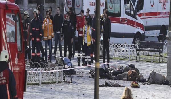 Istanbul secouée par un attentat kamikaze.