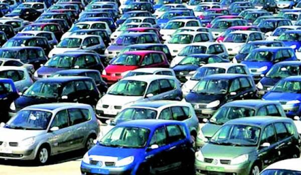 Les importations de voitures réduites de 50% en Algérie.
