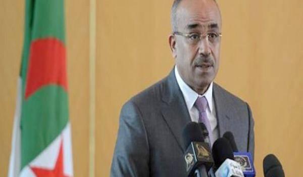 Noureddine Bedoui, le ministre de l'Intérieur et des Collectivités locales,