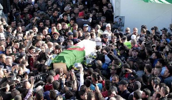 Obsèques mémorables de Hocine Aït Ahmed. Photo Reuters/Ramzi B.
