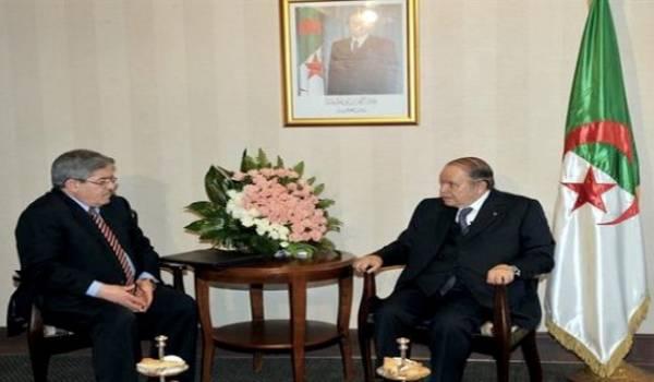 Ouyahia reçut par Bouteflika.