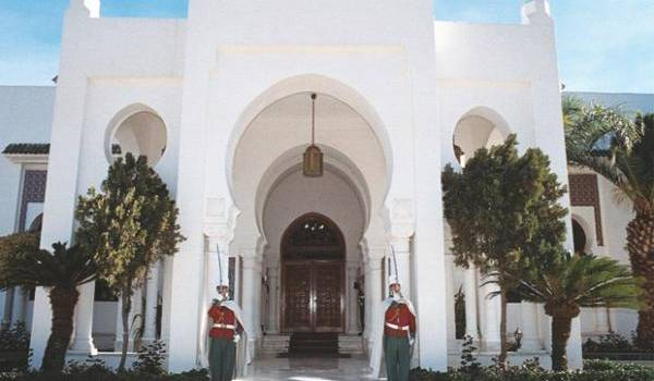 La nouvelle mouture de constitution exclut une partie d es Algériens des hautes responsabilités.