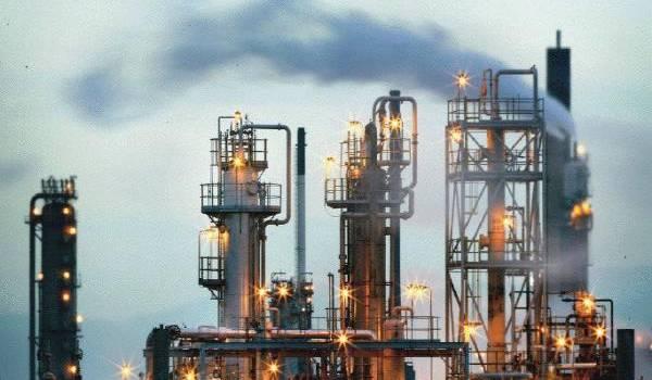 La rente pétrolière est désormais insuffisante pour faire face aux dépenses pharaoniques du pouvoir.