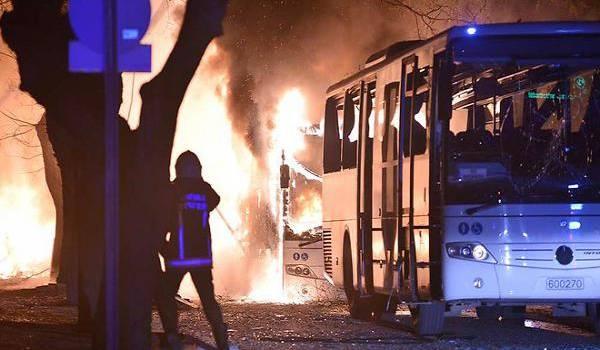 Ankara secouée par un attentat sanglant.