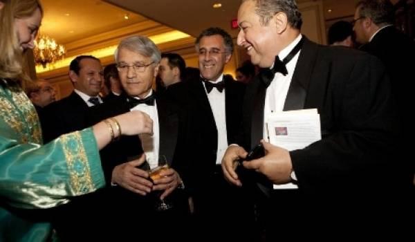 Pendant que Sonatrach se débat dans ses affaires de corruption, Chakib Khelil poursuit tranquillement sa vie mondaine