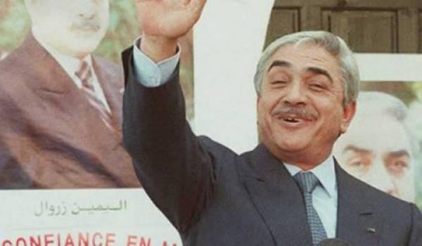 L'ancien président Liamine Zeroual vit à Batna, sa ville natale.