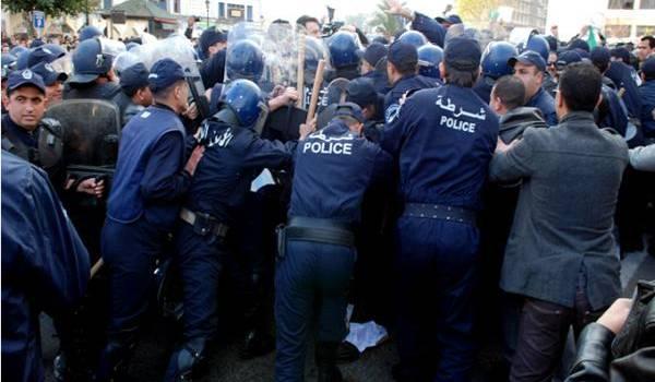 Le dernier mouvement des contractuels a été violemment dispersé par la police.