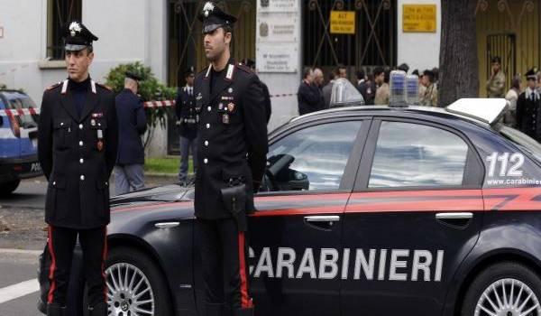 Des carabinieri en opération. Crédit photo : Giuseppe Aresu/AP/SIPA