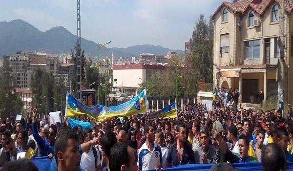 La Kabylie se bat depuis l'aube de l'indépendance pour son identité.
