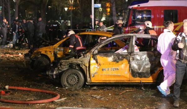 l'attentat à la voiture piégée qui a fait 37 morts dimanche dernier à Ankara