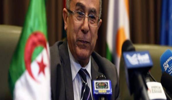 Ramtane Lamamra refuse toute implication militaire de l'Algérie en Libye