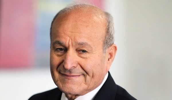 Le gouvernement manœuvre pour empêcher Issad Rebrab d'acquérir le groupe El Khabar.
