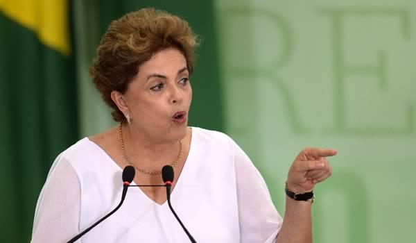 Dilma Rousseff à un cheveu de la destitution de la présidence brésilienne.